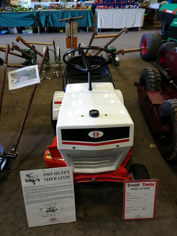 Huffy tractor.jpg