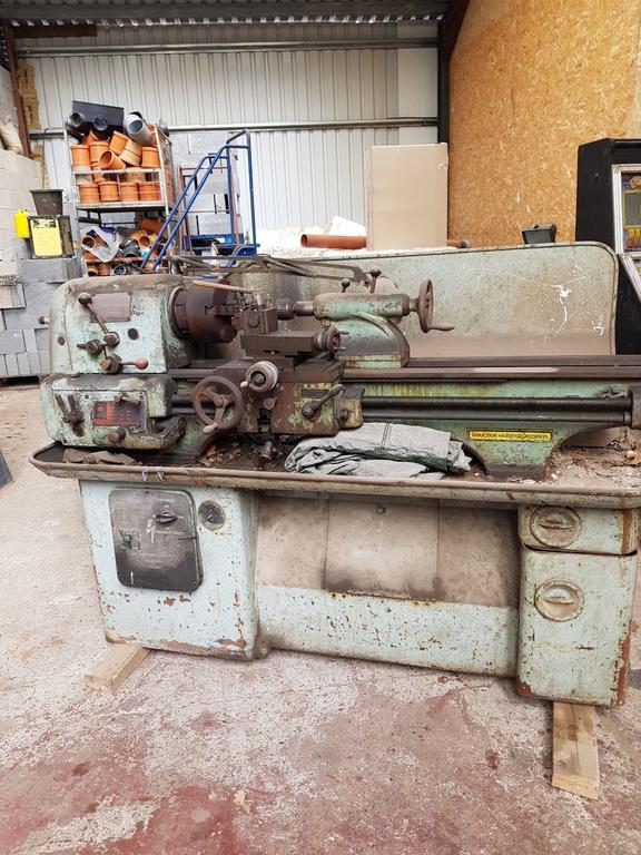 Colchester  metal working lathe.jpg