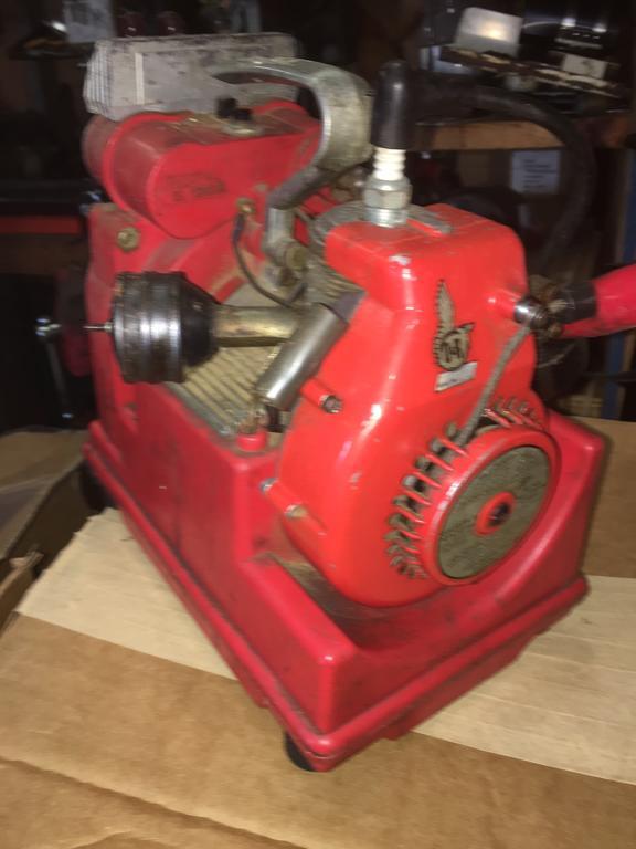8872807_cremegenmotorside.JPG.6ff6687dbc330a557dfa66d1844e79a0.JPG
